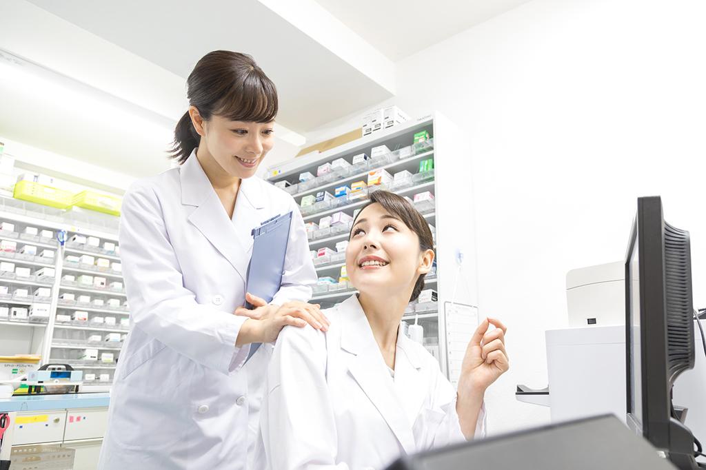 大手薬局で働く薬剤師