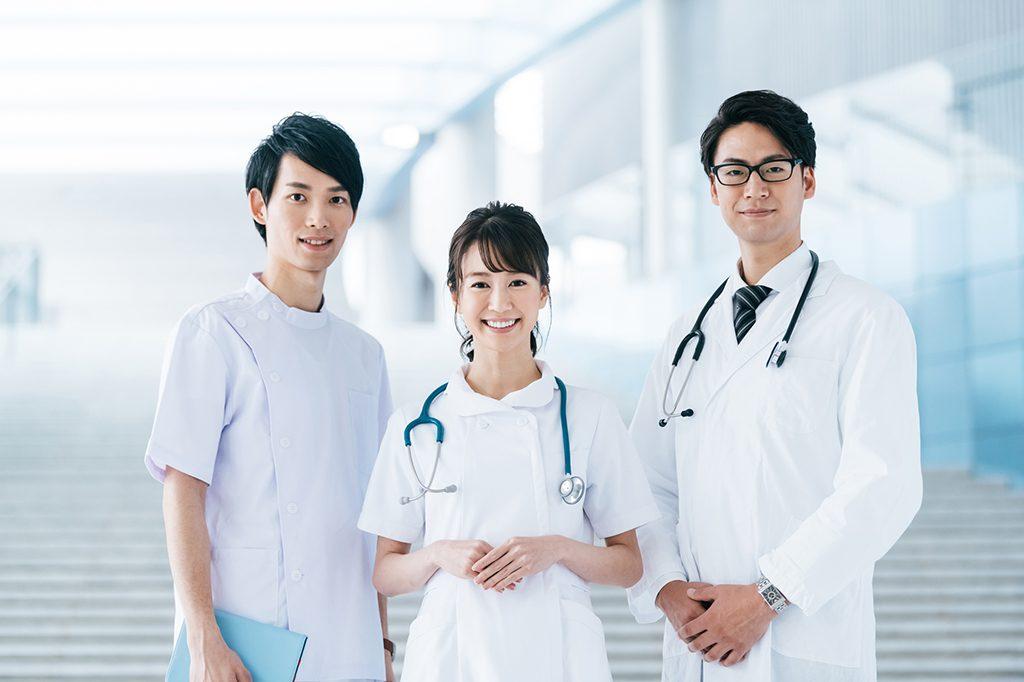 チーム医療のいち員として働く薬剤師