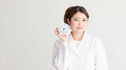 薬剤師の勤務時間ってどれくらい?1日の流れや休日についても解説